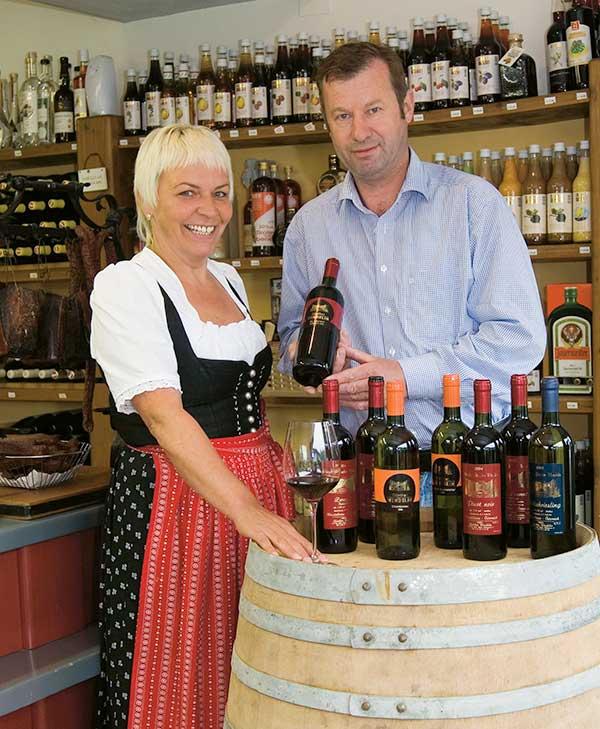Weinverkostung bei Spirituosen Strasser